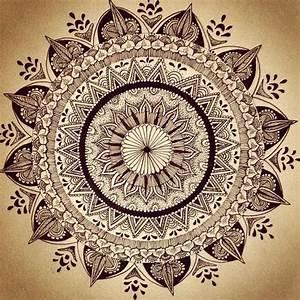 Christmas drawing, Black mehndi designs and Mandalas on ...