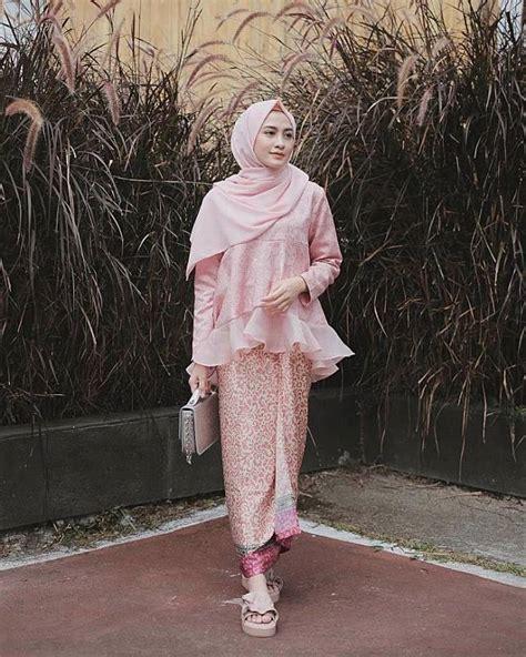 Inspirasi model baju gamis wanita cantik dan kekinian. 10 Inspirasi Fashion Kondangan ala Selebgram Hijab yang ...
