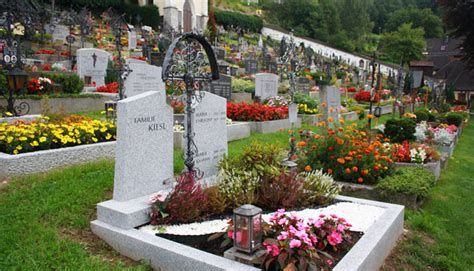 headstone flower arrangement ideas grave with flowers free stock photo domain pictures