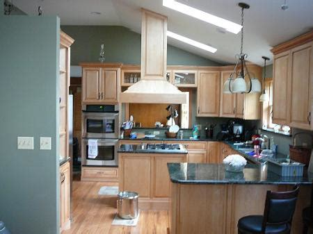 local kitchen remodel contractor        cost update contractor local