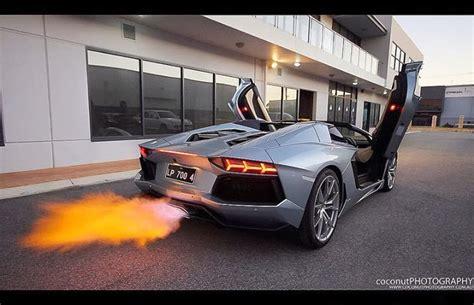 aventador  action foreign cars screensaver