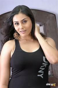 Namitha In Vyapari