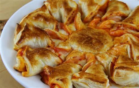 recette pate feuilletee jambon met du fromage et du jambon sur une p 226 te feuillet 233 e sa recette est tr 232 s facile et rapide