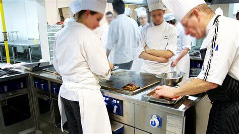 materiel de collectivite cuisine matériel de cuisine professionnelle fcl grandes cuisines