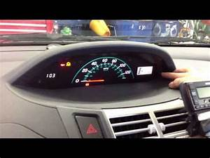 Toyota Corolla 2011 Maintenance Required Light Reset Toyota Luz De Mantenimiento Doovi