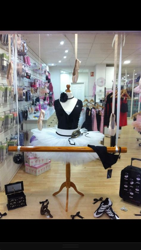 dance retailers get more sales with these window display ideas