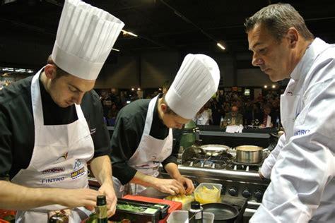 la cuisine belgique simon denis chef du mois d octobre joelle rochette