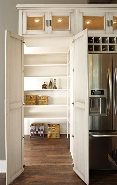 Kitchen Closet by 25 Best Ideas About Pantry On I Shaped