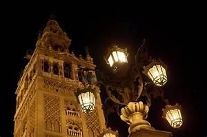 Licht In Der Laterne : kostenlose foto licht die architektur sonnenuntergang nacht geb ude alt laterne hoch ~ Watch28wear.com Haus und Dekorationen