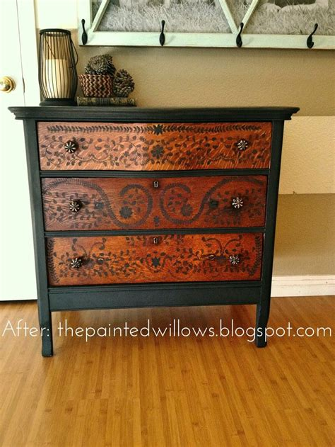 What Do I Need To Distress Furniture by Best 25 Painted Furniture Ideas On Pinterest Painting