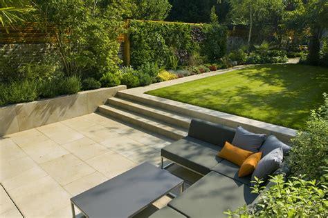 Modernes Haus Mit Garten by Contemporary Family Garden Design In St Johns Wood