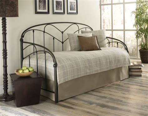 Pop Up Trundle Beds For Adults by Furniture Fancy And Eye Catching Daybed With Pop Up
