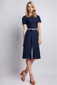 robe cintree et evasee manches courtes With robe cintree