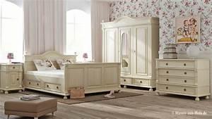 Landhaus Betten Holz : die besten 25 kleiderschrank massivholz ideen auf pinterest schrank massivholz schlafzimmer ~ Markanthonyermac.com Haus und Dekorationen