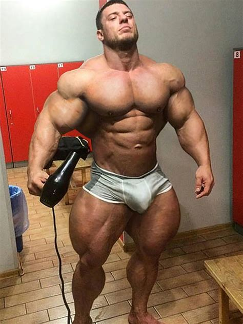 beefy muscles male nude morphs
