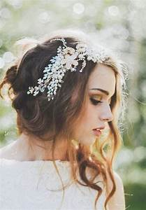 12 Fabulous Wedding Hair Accessories Bridal Updos