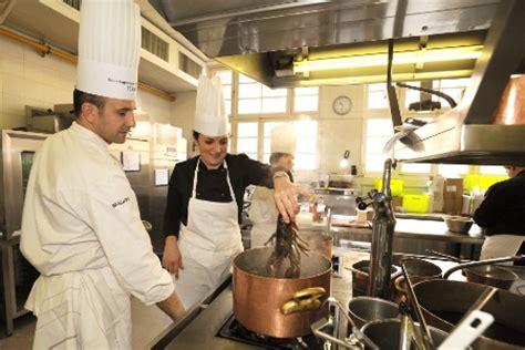 formation de cuisine pour adulte ferrandi le nouveau catalogue de formation pour adultes