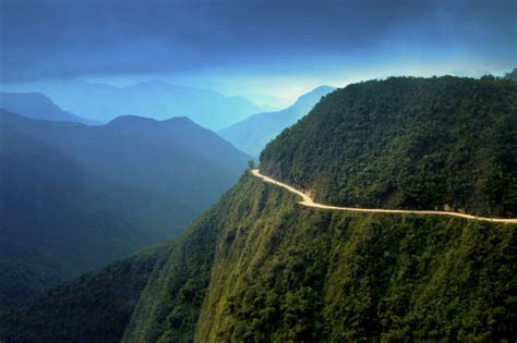 dangerous road bolivia most roads death mountains worlds bolivian driving getty boliwia yungas many