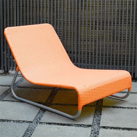 modern outdoor wicker lounge chairs at
