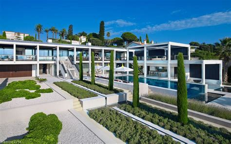 Luxury Villa In The Antibes by Luxury Villa In The Antibes