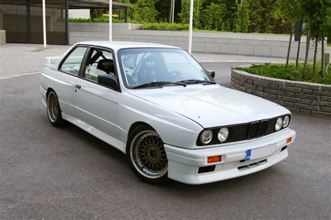 1991 Bmw M3  Information And Photos Zombiedrive