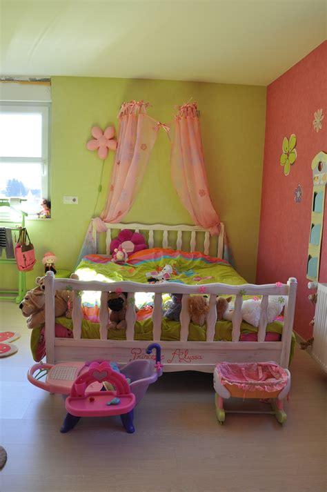 chambre fille vert chambre fille vert anis meilleures images d