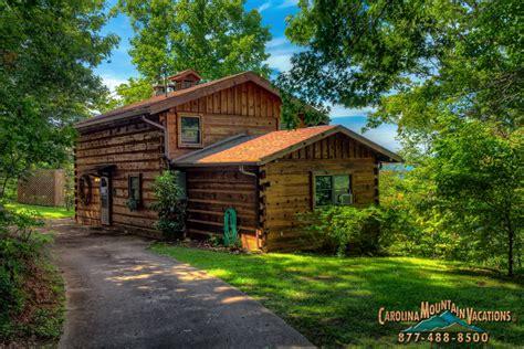 Grandpa's Smoky Mountain Log Cabin Vacation Rental