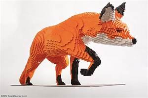 Sean Kenney - Art with LEGO bricks : Fox and rabbits (fox)