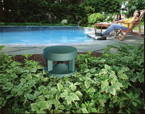 outdoor speakers that blend into the garden