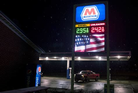 Marathon to Buy Andeavor in $23.3 Billion Oil-Refining ...