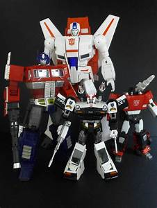 Daca Toys Kronos (Skyfire) with Transformers Masterpiece ...