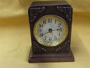Vintage Western Clock Mfg Co Wind Up Alarm Clock Table