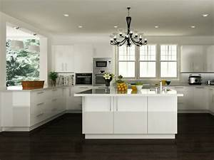 La cuisine blanche laquee en 35 photos qui vont vous inspirer for Idee deco cuisine avec cuisine equipee laquee