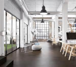 wohnzimmer ideen mit kamin estrich der fußboden im industrial style freshouse
