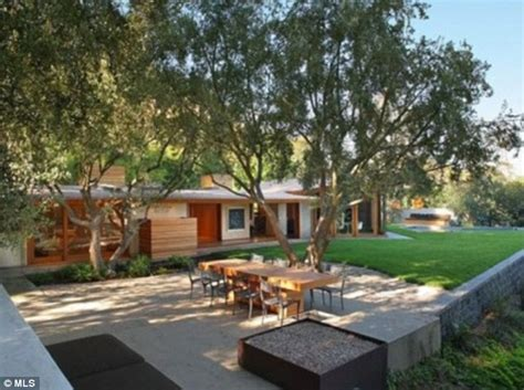 Singer Kitchen Cabinets by Katy Perry Begins Remodelling Her 4 3m Hollywood Hideaway