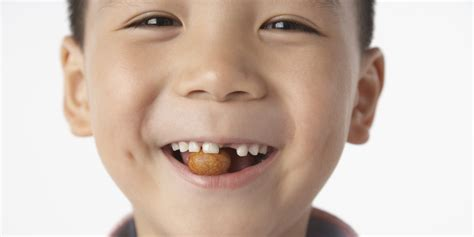 Eating Nuts During Pregnancy Could Curb Kids' Allergies