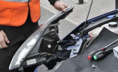 advice halfords car bulb fitting service