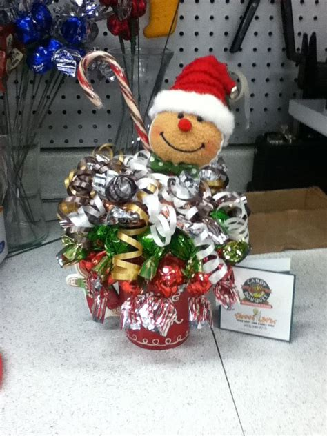 how to do a christmas candy sunday centerpiece 139 best images about bouquets on planters peanuts valentines and s day