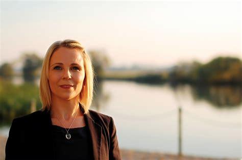 Qualität durch erfahrung auf den gebieten duroplast, thermoplast und werkzeugbau. Katja Poschmann - Profil bei abgeordnetenwatch.de