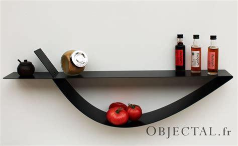 objet deco cuisine etagère murale étagère design métal tablette murale