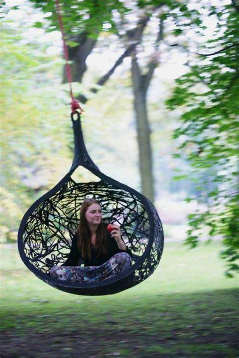 fauteuil de jardin suspendu en  idees de meubles design