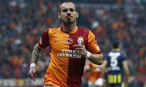 wesley sneijder  galatasaray  failed  pay