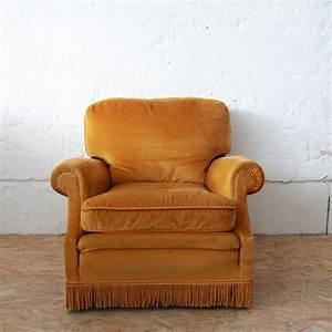 Petit Fauteuil Confortable : fauteuil velours vintage confortable atelier du petit parc ~ Teatrodelosmanantiales.com Idées de Décoration