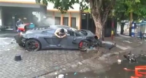 wrecked car before and after driver texts from wrecked lamborghini after fatal race
