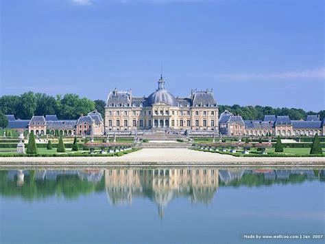 Picturesque Vaux-le-vicomte Castle And Gradens