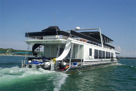 Lake House Rental With Pontoon Boat by Best Lake Travis Houseboat Rentals