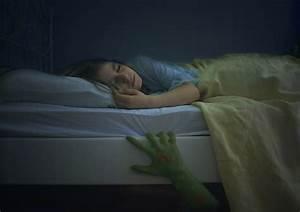 Morgens Besser Aus Dem Bett Kommen : das monster unterm bett foto bild experimente youth bilder auf fotocommunity ~ Markanthonyermac.com Haus und Dekorationen