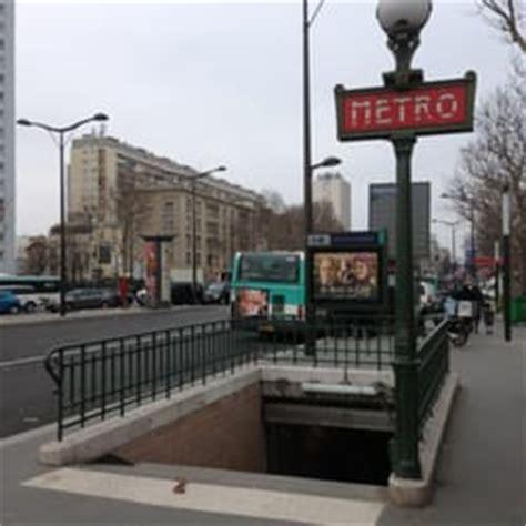 porte de la chapelle metro transportation