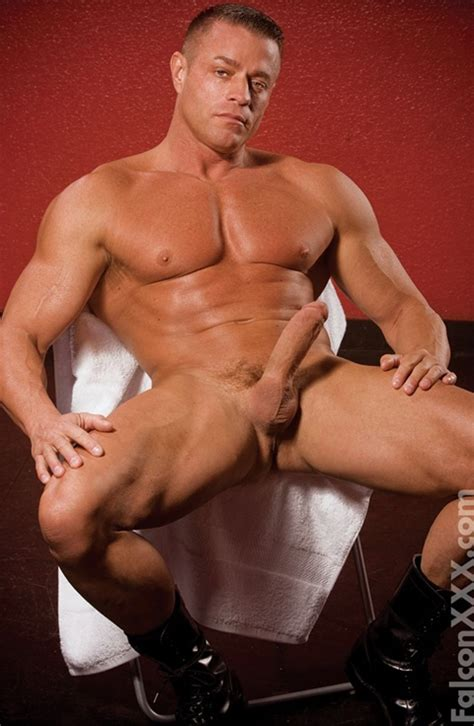 Tyler Saint Gay Muscle Time 18 Blog