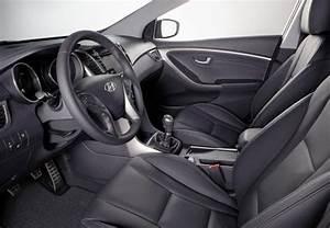 Hyundai I30 Pack Inventive : hyundai i30 1 6 crdi 110 blue drive pack inventive limited 2013 fiche technique n 150085 ~ Medecine-chirurgie-esthetiques.com Avis de Voitures